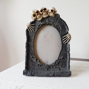 Grave Picture Frame with Skeletons